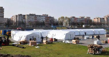 """GALERIE FOTO / Spitalul militar mobil prinde contur, pe stadionul """"Portul"""". Pregătiri pentru scenariul 4"""
