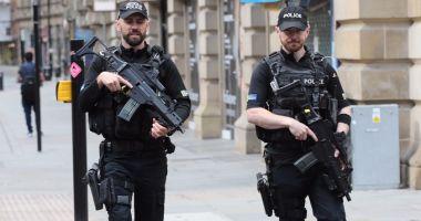 O mașină a intrat în Parlamentul britanic. Mai mulți răniți, șoferul reținut. Poliția suspectează atac terorist