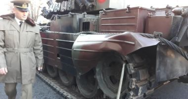 Un tanc s-a stricat în timpul paradei de 1 Decembrie și a blocat circulația în centrul orașului
