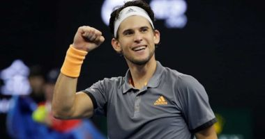 Dominic Thiem a triumfat la un demonstrative pe iarbă
