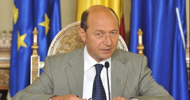 """Traian Băsescu, declarații de presă: """"Este clar că Federația Rusă dorește destabilizarea Ucrainei pentru a o pune sub control"""""""