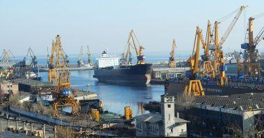 Transportul portuar maritim a scăzut în primul trimestru din 2021