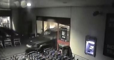 CA-N FILME! Iată cum au dat spargerea hoții de paypoint-uri, din Constanța - VIDEO
