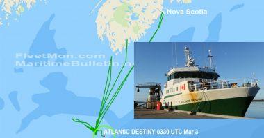 Un trawler-ul canadian în flăcări s-a scufundat