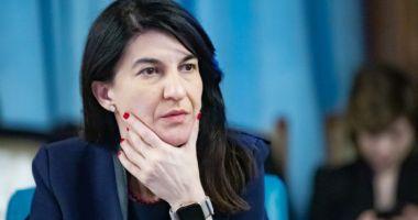 Violeta Alexandru: Au fost aprobate 1,2 milioane lei pentru arhivele caselor de pensii din 24 de judeţe