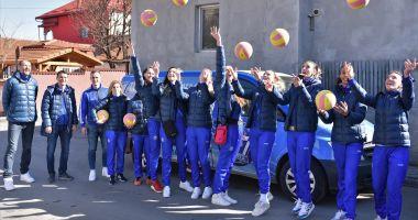 Sportivele de la CS Medgidia promovează voleiul în școli