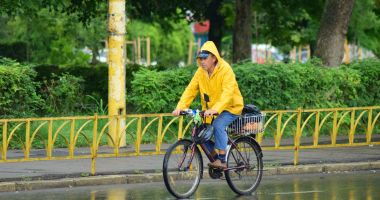 Continuă ploile, la Constanţa. Ce veşti aduc meteorologii