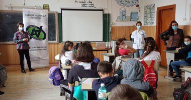Lecții juridice în școli, în scopul prevenirii consumului de droguri
