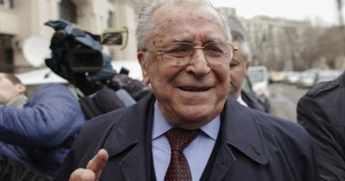 Ion Iliescu s-a vaccinat: