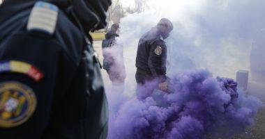 Jandarmeria a amendat polițiștii care au dat fumigene în timpul protestelor