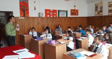 """Ziua Europeană a Limbilor Străine și Ziua Internațională a Traducerii, celebrate la Școala Gimnazială nr. 18 """"Jean Bart"""" din Constanța"""