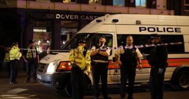 ATENTAT LONDRA / O mașină a intrat în mulțime. O persoană, rănită